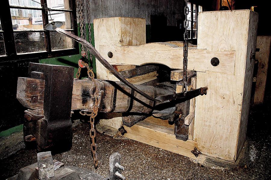 Restaurierung historischer Schwanzhammer